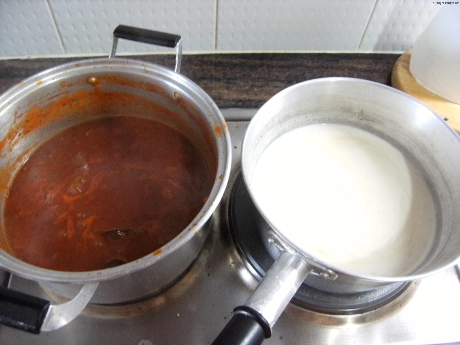 Lasagne al forno die Bolognese Sauce und die Bechamel Sauce selber herstellen
