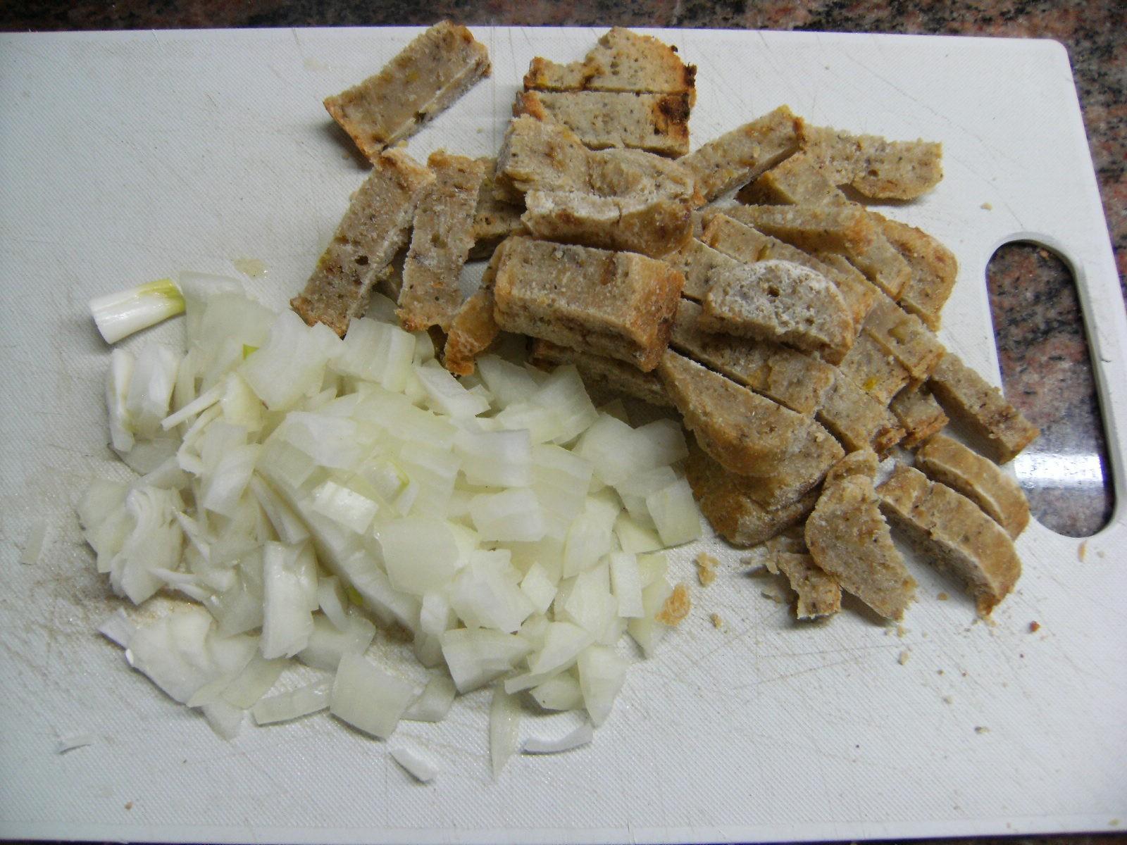 Zwiebelwüefel und Brotwürfel