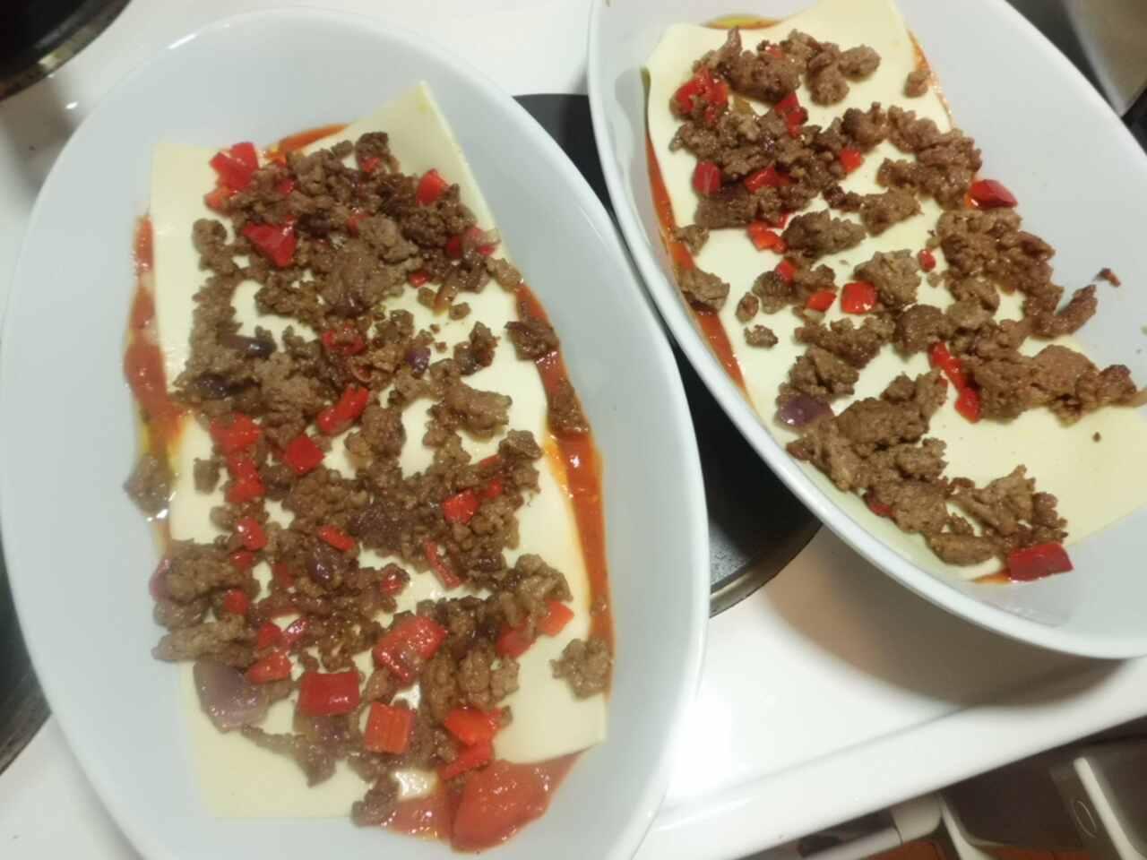 Lasagneblätter in 3 Minuten fertig schichten, Tomatensauce,Lasagneplatten, Hackfleisch, Béchamelsauce usw